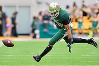 Baylor running back Devin Chafin (28) fails to hold on to a pass during an NCAA football game, Saturday, October 11, 2014 in Waco, Tex. Baylor defeated TCU 61-58 to remain undefeated in BIG 12 conference. (Mo Khursheed/TFV Media via AP Images)