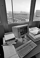- Genova, lo stabilimento Esacontrol  (aprile 1986)<br /> <br /> - Genoa, the plant Esacontrol  (April 1986)