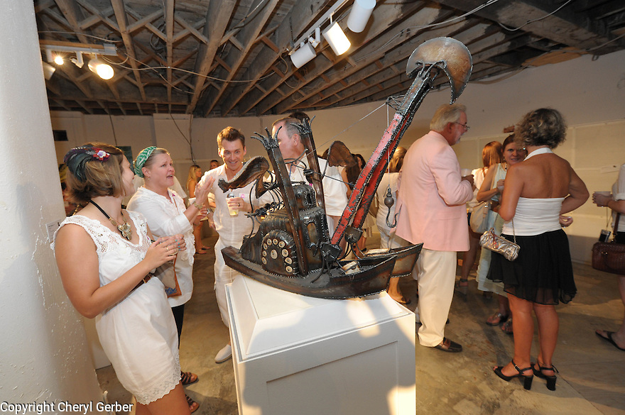 White Linen Night in the Warehouse Arts District