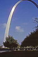 St. Louis: Eero Saarinen, Architect. Jefferson Memorial Arch (Gateway Arch) , 1948-1967.
