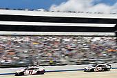 #11: Denny Hamlin, Joe Gibbs Racing, Toyota Camry FedEx Office, #38: David Ragan, Front Row Motorsports, Ford Mustang MDS Transport