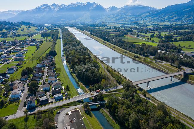 Drohnenaufnahme: Liechtenstein.<br /> Ruggell, Rheinbrücke.<br /> Foto: ©Paul J. Trummer