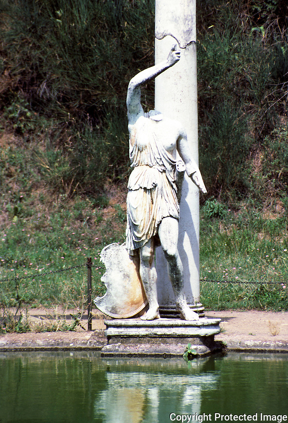 Italy: Tivoli--Hadrian's Villa, A statue of an Amazon at Canopus. Photo '83.