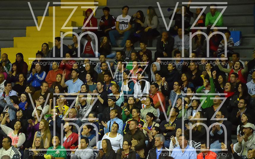 BOGOTÁ -COLOMBIA. 31-05-2014. Aspecto del quinto juego entre Guerreros de Bogotá y Cafeteros de Armenia por los playoffs semifinales de la  Liga DirecTV de Baloncesto 2014-I de Colombia realizado en el coliseo El Salitre de Bogotá./ Aspect of the 5th match between Guerreros de Bogota and Cafeteros de Armenia for the playoffs semifinals of the DirecTV Basketball League 2014-I in Colombia played at El Salitre coliseum in Bogota. Photo: VizzorImage/ Gabriel Aponte / Staff