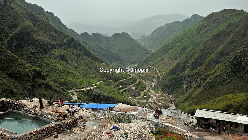 A newly opened mine belonging to Yin Ye Mining Co Ltd, in Luoxi Mercury Mining Area, near Wanchuan, Guizhou, China, 20th April 2009.<br /> <br /> Photo by Richard Jones