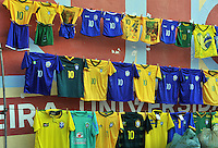 FORTALEZA- BRASIL -04-07-2014. Camisetas de Brazil. La seleccion  de futbol de Brasil entrena en el estadio de Fortaleza antes de su encuentro con Colombia.  Copa Mundial de la FIFA Brasil 2014./ Shirts of Brazil .  The Brazilian soccer team trains in Fortaleza Stadium before meeting with Colombia. FIFA World Cup Brazil 2014. Photo: VizzorImage / Alfredo Gutierrez / Contribuidor