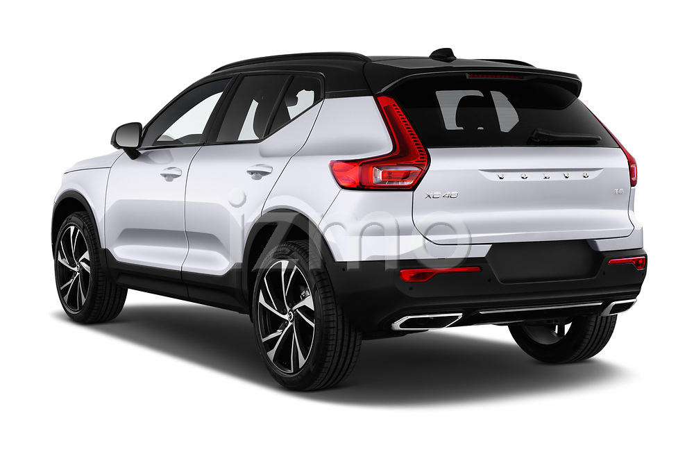 Car pictures of rear three quarter view of a 2019 Volvo XC40 R-Design 5 Door SUV angular rear