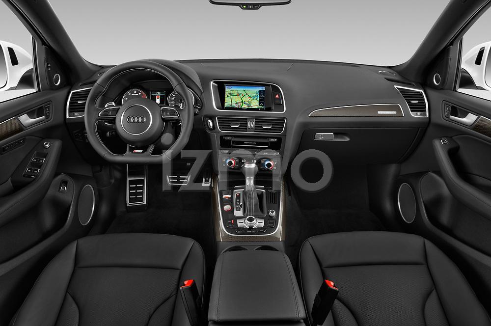 Stock photo of straight dashboard view of 2015 Audi SQ5 quattro tiptronic Premium 5 Door SUV