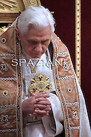 Vesper prayers Benedict XVI for the Presentation of the Lord feast at St Peter's Basilica Feb 2,2011
