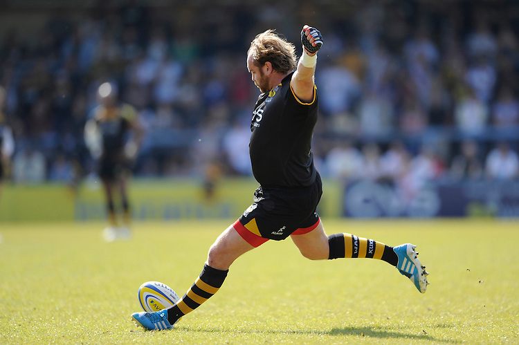 Andy Goode of London Wasps takes a penalty kick during the first leg of the European Rugby Champions Cup play-off match between London Wasps and Stade Francais at Adams Park on Sunday 18th May 2014 (Photo by Rob Munro)