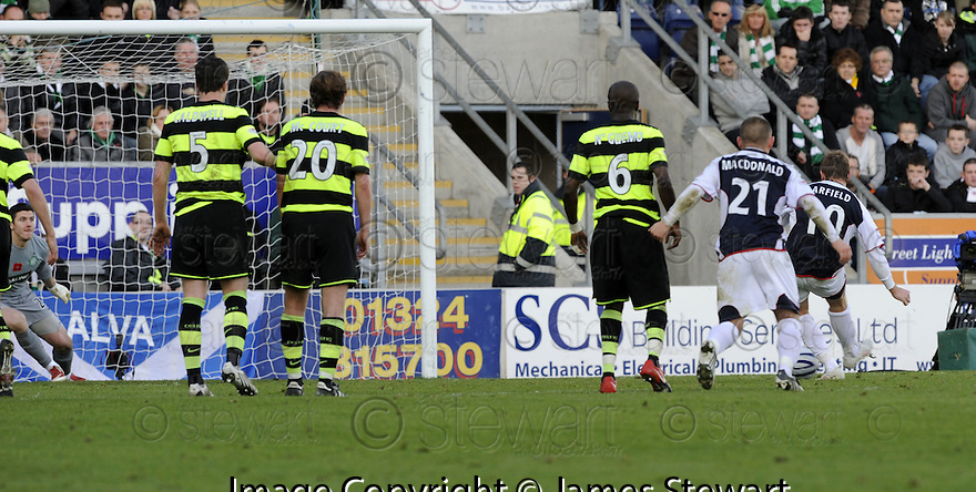 08/11/2009  Copyright  Pic : James Stewart.sct_jspa11_falkirk_v_celtic  . :: SCOTT ARFIELD SCORES FALKIRK'S FIRST FROM THE SPOT :: .James Stewart Photography 19 Carronlea Drive, Falkirk. FK2 8DN      Vat Reg No. 607 6932 25.Telephone      : +44 (0)1324 570291 .Mobile              : +44 (0)7721 416997.E-mail  :  jim@jspa.co.uk.If you require further information then contact Jim Stewart on any of the numbers above.........