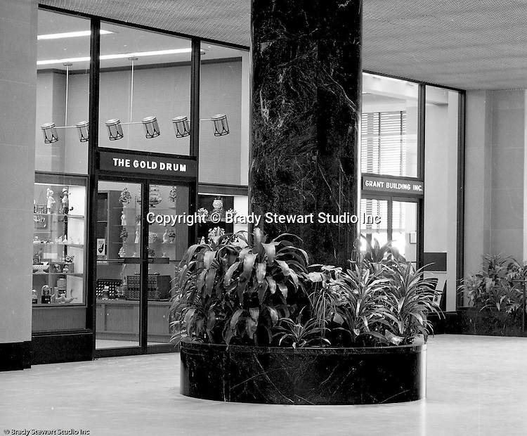 Pittsburgh Pa:  View of the Gold Drum store and the building rental office in the Grant Building lobby.  The photographic assignment was for a brochure to highlight upgrades to the building and to solicit more tenants.  The 40-story Grant Building is located at 310 Grant Street and was built in 1929.