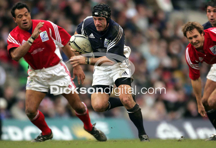 David Humphreys in action during the IRB Rugby Tsunami Appeal Aid match between the Northern Hemisphere and the Southern Hemisphere at Twickenham, London, England, on Saturday 5th March, 2005. Photo: INPHO/Billy Stickland/Photosport