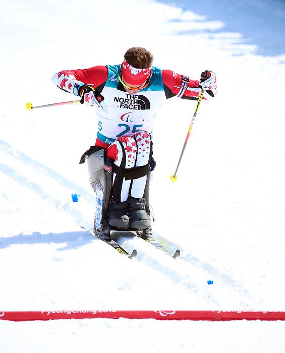 Derek Zaplotinsky, Pyeongchang 2018. Para Nordic Skiing // Ski paranordique.<br /> Derek Zaplotinsky competes in the men's 7.5km sitting event in Biathlon // Derek Zaplotinsky participe à l'épreuve masculine de 7,5 km assis en biathlon. 10/03/2018.