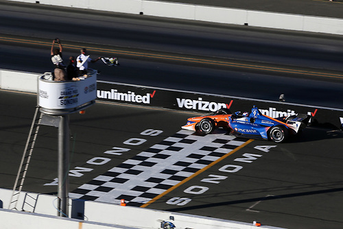 Scott Dixon, Chip Ganassi Racing Honda finishes second and clinches the championship