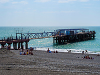 Anleger von Kobuleti, Adscharien - Atschara, Georgien, Europa<br /> Jetty and beach, Kabuleti,  Adjara,  Georgia, Europe