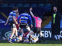 6th February 2021; Recreation Ground, Bath, Somerset, England; English Premiership Rugby, Bath versus Harlequins; Tom Dunn of Bath scores a try in the corner as the referee signals