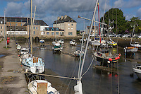 France, Bretagne, (29), Finistère, Pays Bigouden, Pont-l'Abbé: le port // France, Brittany, Finistere, Bigouden, Pont l'Abbé:  the harbour