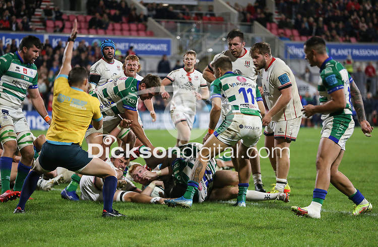 Friday 8th October 2021<br /> <br /> Nathan Doak scores his second try during the URC Round 3 clash between Ulster Rugby and Benetton Rugby at Kingspan Stadium, Ravenhill Park, Belfast, Northern Ireland. Photo by John Dickson/Dicksondigital