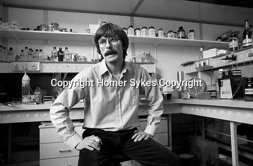 Professor Simon Wain-Hobson Pasteur Institute, Institut Pasteur, Paris, France 1985.<br />  .