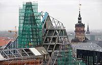 Stadtansichten 2009 - Luftaufnahme Augustusplatz aus 11. Etage des Europahaus - Blick auf das Paulinum Campus Baustelle Audimax - dahinter der Turm der Nikolaikirche - dahinter die Lutherische Kirche am Tröndlinring  . Foto: Norman Rembarz..Norman Rembarz , ( ASV-Autorennummer 41043728 ), Holbeinstr. 14, 04229 Leipzig, Tel.: 01794887569, Hypovereinsbank: BLZ: 86020086, KN: 357889472, St.Nr.: 231/261/06432 - Jegliche kommerzielle Nutzung ist honorar- und mehrwertsteuerpflichtig! Persönlichkeitsrechte sind zu wahren. Es wird keine Haftung übernommen bei Verletzung von Rechten Dritter. Autoren-Nennung gem. §13 UrhGes. wird verlangt. Weitergabe an Dritte nur nach  vorheriger Absprache..