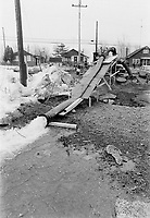 Innondation a Laval, 5 Mai 1973<br /> <br /> PHOTO : Alain Renaud - Agence quebec Presse