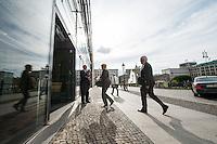 Abschiedsfeier fuer den ehemaligen DGB-Chef Michael Sommer in der Akademie der Kuenste in Berlin.<br /> Am Montag den 2. Juni 2014 kamen Prominente aus Wirtschaft und Politik zu einer feierlichen Verabschiedung des ehemaligen DGB-Chef Michael Sommer in die Akademie der Kuenste.<br /> Sommer war von 2002 bis 2014 Bundesvorsitzender des Deutschen Gewerkschaftsbund DGB.<br /> Im Bild: Klaus Staeck (links), Praesident der Akademie der Kuenste, empfaengt die Gaeste.<br /> 2.6.2014, Berlin<br /> Copyright: Christian-Ditsch.de<br /> [Inhaltsveraendernde Manipulation des Fotos nur nach ausdruecklicher Genehmigung des Fotografen. Vereinbarungen ueber Abtretung von Persoenlichkeitsrechten/Model Release der abgebildeten Person/Personen liegen nicht vor. NO MODEL RELEASE! Don't publish without copyright Christian-Ditsch.de, Veroeffentlichung nur mit Fotografennennung, sowie gegen Honorar, MwSt. und Beleg. Konto:, I N G - D i B a, IBAN DE58500105175400192269, BIC INGDDEFFXXX, Kontakt: post@christian-ditsch.de]
