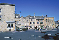 Stow on the Wold: The Marketplace. Photo '05.
