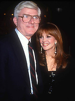 Phil Donahue Marlo Thomas 1990 Photo by Adam Scull-PHOTOlink.net