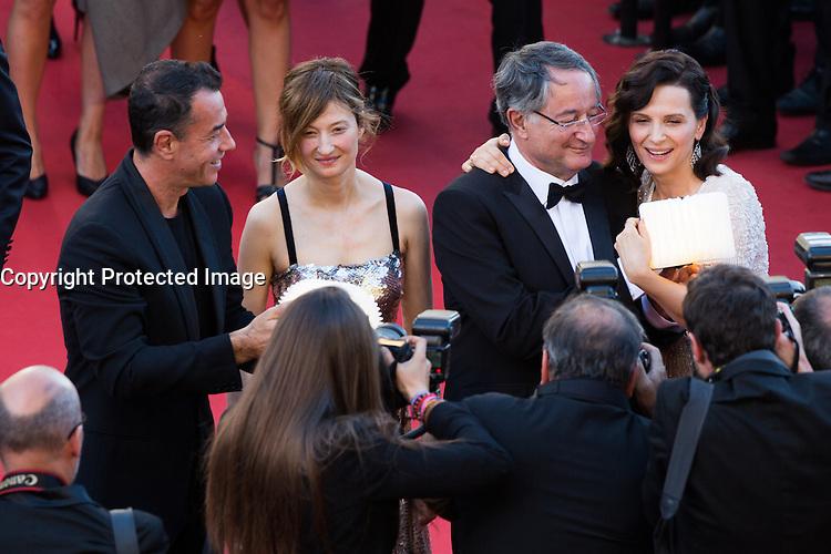 Matteo Garrone, Alba Rohrwacher, Peter Suschitzky, Juliette Binoche - CANNES 2016 - MONTEE DU FILM 'THE LAST FACE'