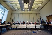 Sondersitzung des Innenausschuss des Berliner Abgeordnetenhaus am Mittwoch den 8.11.2017 zu Vorwuerfen gegen Polizeiakademie.<br /> An der Berliner Polizeiakademie soll es nach anonymen Quellen zu Vorfaellen mit Bedrohungen durch Auszubildende gegen Ausbilder, moegliche Verbindungen von Auszubildende zu Organisierten Kriminalitaet und mehr gekommen sein. Auffallend an den Aussagen der anonymen Quellen ist laut Innensenator Andreas Geisel der rassistische Grundton gegen Auszubildende mit Migrationshintergrund.<br /> Im Bild vlnr: Polizeivizepraesidentin Margarete Koppers; Polizeipraesident Klaus Kandt; Staatssekretaer Torsten Akmann; Innensenator Andreas Geisel.<br /> 8.11.2017, Berlin<br /> Copyright: Christian-Ditsch.de<br /> [Inhaltsveraendernde Manipulation des Fotos nur nach ausdruecklicher Genehmigung des Fotografen. Vereinbarungen ueber Abtretung von Persoenlichkeitsrechten/Model Release der abgebildeten Person/Personen liegen nicht vor. NO MODEL RELEASE! Nur fuer Redaktionelle Zwecke. Don't publish without copyright Christian-Ditsch.de, Veroeffentlichung nur mit Fotografennennung, sowie gegen Honorar, MwSt. und Beleg. Konto: I N G - D i B a, IBAN DE58500105175400192269, BIC INGDDEFFXXX, Kontakt: post@christian-ditsch.de<br /> Bei der Bearbeitung der Dateiinformationen darf die Urheberkennzeichnung in den EXIF- und  IPTC-Daten nicht entfernt werden, diese sind in digitalen Medien nach §95c UrhG rechtlich geschuetzt. Der Urhebervermerk wird gemaess §13 UrhG verlangt.]