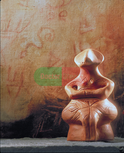 fertility goddess statue