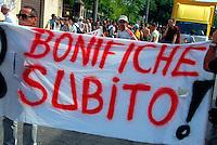 Brescia / Italia - 15 giugno  2013<br /> Manifestazione di gruppi ecologisti contro l'inquinamento da PCB e per richiedere alle autorità la bonifica delle aree contaminate.<br /> Foto Livio Senigalliesi