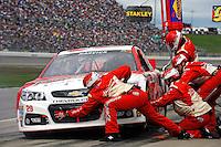2013 Hollywood Casino 400 at Kansas Speedway