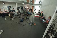Zweiter Sitzungstag des 1. NSA-Untersuchungsausschuss am Donnerstag den 5. Juni 2014.<br /> Im Bild: Kameras der TV-Teams vor dem Ausschuss.<br /> 5.6.2014, Berlin<br /> Copyright: Christian-Ditsch.de<br /> [Inhaltsveraendernde Manipulation des Fotos nur nach ausdruecklicher Genehmigung des Fotografen. Vereinbarungen ueber Abtretung von Persoenlichkeitsrechten/Model Release der abgebildeten Person/Personen liegen nicht vor. NO MODEL RELEASE! Don't publish without copyright Christian-Ditsch.de, Veroeffentlichung nur mit Fotografennennung, sowie gegen Honorar, MwSt. und Beleg. Konto:, I N G - D i B a, IBAN DE58500105175400192269, BIC INGDDEFFXXX, Kontakt: post@christian-ditsch.de]