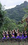 Au coeur de la Vallée de la Papenoo, Fare Hape, au pied du relais de la Maroto, est un ancien village qui regroupait plusieurs centaines d'habitants avant l'arrivée des Européens.A l'aube de l'humanité, cette vallée était peuplée de plus de 10 000 hommes qui édifièrent 200 marae, dont on retrouve aujourd'hui peu à peu les vestiges. Ils avaient leur propre organisation sociale. La compagnie Manahau vient retrouver les racines perdues de la culture polynesienne sur ce site sacré.