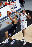 Pablo PRIGIONI (Argentina) passes Mantas KALNIETIS (Lithuania) during the quarter-final World championship basketball match against Lithuania in Istanbul, Lithuania-Argentina, Turkey on Thursday, Sep. 09, 2010. (Novak Djurovic/Starsportphoto.com).