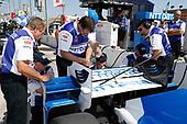 Verizon IndyCar Series<br /> Iowa Corn 300<br /> Iowa Speedway, Newton, IA USA<br /> Saturday 8 July 2017<br /> Tony Kanaan, Chip Ganassi Racing Teams Honda crew<br /> World Copyright: Michael L. Levitt<br /> LAT Images