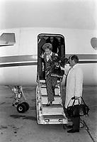 L'actrice americaine, Joan Crawford, invitee-vedette de l'Assemblee generale de l'industrie des eaux gazeuses du Quebec, à l 'occasion de sa 29e assemblée annuelle, le  1er novembre 1970<br /> <br /> Photo : Photo Moderne - © Agence Quebec Presse<br /> <br />  NOTE : Lorsque requis la photo commandée sera recadrée et ajustée parfaitement.