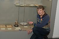 SCHAATSEN: SNEEK: 15-01-2020, Fries Scheepvaart Museum, Dag van de Elfstedentocht, Lenie van der Hoorn, eerste vrouw tijdens Elfstedentocht op 21-02-1985 'won' een zilveren tabakspot, ©foto Martin de Jong