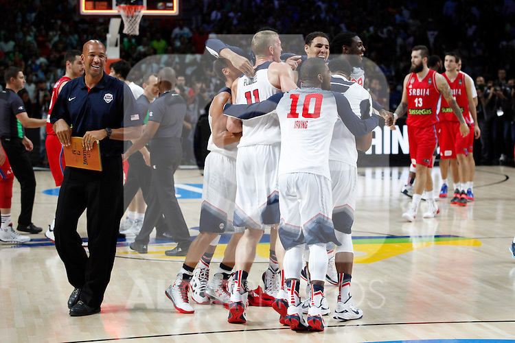 United States´s players celebrate after winning FIBA Basketball World Cup Spain 2014 final match between United States and Serbia at `Palacio de los deportes´ stadium in Madrid, Spain. September 14, 2014. (ALTERPHOTOSVictor Blanco)