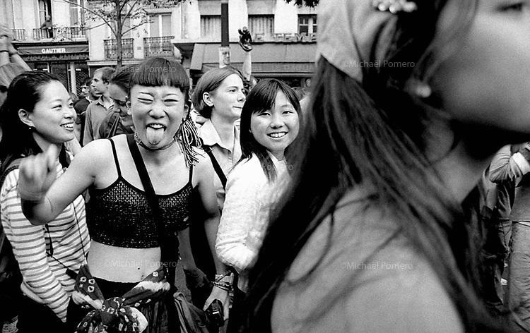 09.1999 <br /> <br /> Techno parade.