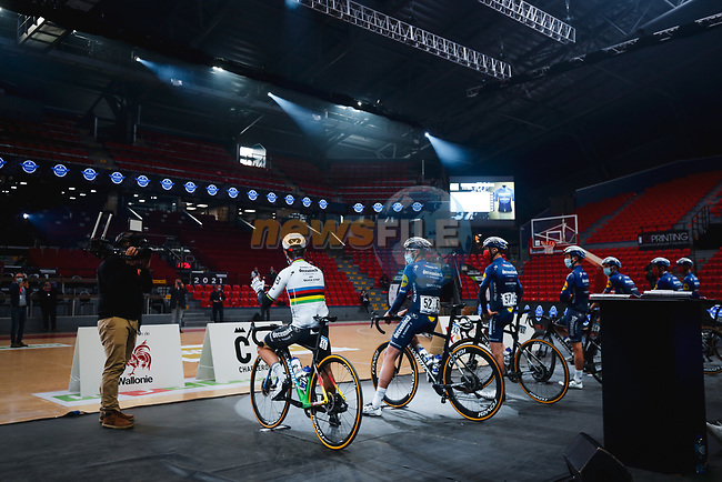 World Champion Julian Alaphilippe (FRA) and Deceuninck-Quick Step at the team presentation before the 2021 Flèche-Wallonne, running 193.6km from Charleroi to Huy, Belgium. 21st April 2021.  <br /> Picture: A.S.O./Aurélien Vialatte | Cyclefile<br /> <br /> All photos usage must carry mandatory copyright credit (© Cyclefile | A.S.O./Aurélien Vialatte)