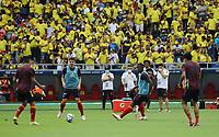 BARRANQUILLA – COLOMBIA, 10-10-2021:  Calentamiento de Colombia previo al partido entre los seleccionados de Colombia (COL) y Brasil (BRA), de la fecha 12 por la clasificatoria a la Copa Mundo FIFA Catar 2022, jugado en el estadio Metropolitano Roberto Melendez en Barranquilla. / Warm up of Colombia prior a match between the teams of Colombia (COL) and Brasil(BRA), of the 12th date for the FIFA World Cup Qatar 2022 Qualifier, played at Metropolitan stadium Roberto Melendez in Barranquilla. Photo: VizzorImage / Jairo Cassiani / Contribuidor