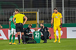 12.09.2020, Ernst-Abbe-Sportfeld, Jena, GER, DFB-Pokal, 1. Runde, FC Carl Zeiss Jena vs SV Werder Bremen<br /> <br /> Verletzung / verletzt / Schmerzen<br /> Ömer / Oemer Toprak (Werder Bremen #21) wird behandelt <br /> <br /> <br />  <br /> <br /> <br /> Foto © nordphoto / Kokenge