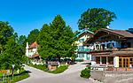 Deutschland, Bayern, Toelzer Land, Dietramszell: Ortszentrum des Pfarrdorfs | Germany, Bavaria, Toelzer Land, Dietramszell: village centre