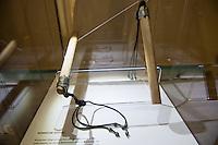 """""""Wer ist der Mann auf dem Tuch?"""", fragt die erste in Deutschland praesentierte Ausstellung zum sog. Turiner Grabtuch.<br /> Vom 23.Januar bis zum 11.Maerz 2015 kann eine Nachbildung des Grabtuches und sowie ein Korpus, der aus einer 3D-Betrachtung der Spuren am Tuch gefertigt<br /> wurde, im Malteser-Saal in Berlin-Charlottenburg besichtigt werden. Weitere Ausstellungsstuecke sind unter anderem eine Dornenhaube oder Naegel, die zur<br /> damaligen Zeit bei einer Kreuzigung verwendet wurden.<br /> Im Bild: Roemische Geissel, wie sie zur Zeit der Kreuzung Jesu verwendet worden sein sollen.<br /> 22.1.2015, Berlin<br /> Copyright: Christian-Ditsch.de<br /> [Inhaltsveraendernde Manipulation des Fotos nur nach ausdruecklicher Genehmigung des Fotografen. Vereinbarungen ueber Abtretung von Persoenlichkeitsrechten/Model Release der abgebildeten Person/Personen liegen nicht vor. NO MODEL RELEASE! Nur fuer Redaktionelle Zwecke. Don't publish without copyright Christian-Ditsch.de, Veroeffentlichung nur mit Fotografennennung, sowie gegen Honorar, MwSt. und Beleg. Konto: I N G - D i B a, IBAN DE58500105175400192269, BIC INGDDEFFXXX, Kontakt: post@christian-ditsch.de<br /> Bei der Bearbeitung der Dateiinformationen darf die Urheberkennzeichnung in den EXIF- und  IPTC-Daten nicht entfernt werden, diese sind in digitalen Medien nach §95c UrhG rechtlich geschuetzt. Der Urhebervermerk wird gemaess §13 UrhG verlangt.]"""