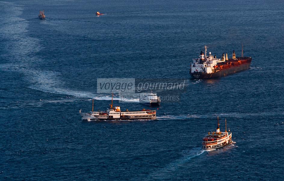 Europe/Turquie/Istanbul :  Navigation sur le Bosphore // Europe / Turkey / Istanbul: Sailing on the Bosphorus