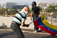 CARACAS- VENEZUELA , 30-04-2019.Levantamiento militar y ciudadano liderado  por Juan Guaidó y Leopoldo López en la base militar de La Carlota , contra el régimen de Nicolas Maduro , millones de venezolanos salieron a las calles a protestar y ponerle fin al dictador Maduro. / Military uprising and citizen led by Juan Guaidó and Leopoldo López in the military base of La Carlota, against the regime of Nicolas Maduro, millions of Venezuelans took to the streets to protest and put an end to the dictator Maduro. Photo: VizzorImage / Carolain Caballero / Contribuidor