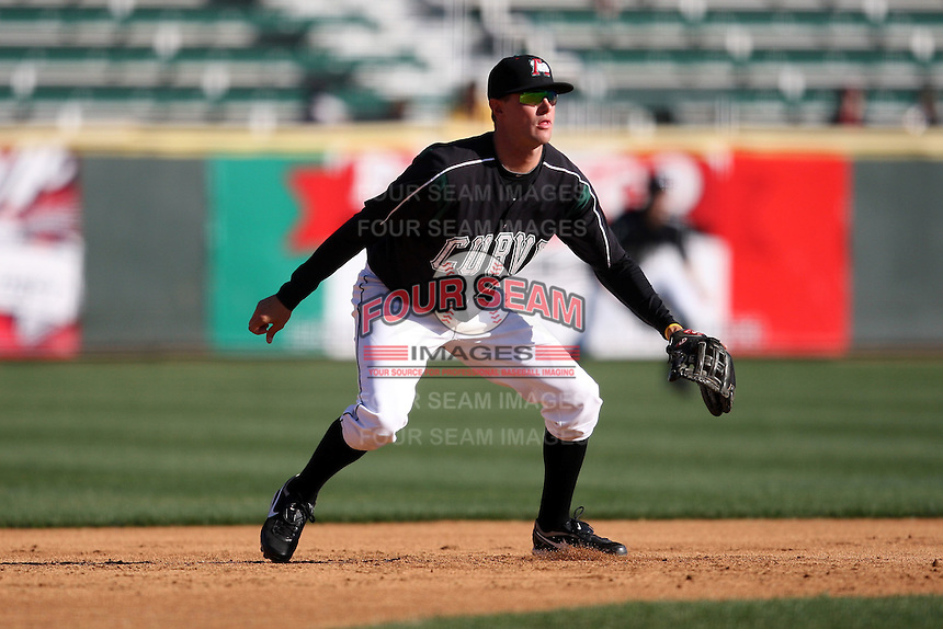April 10, 2010:  Third Baseman Jordy Mercer of the Altoona Curve during a game at Blair County Ballpark in Altoona, PA.  Altoona is the Double-A Eastern League affiliate of the Pittsburgh Pirates.  Photo By Mike Janes/Four Seam Images